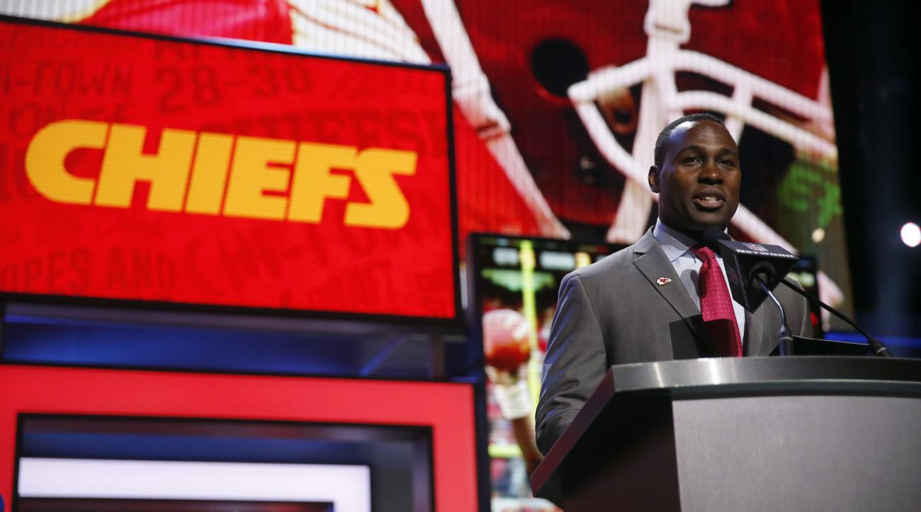 Former NFL player Tony Richardson announces that the Kansas City Chiefs selects Mississippi States Chris Jones as the 37th pick in the second round of the 2016 NFL football draft, Friday, April 29, 2016, in Chicago. (AP Photo/Charles Rex Arbogast)