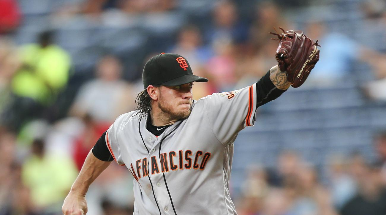 San Francisco Giants starting pitcher Jake Peavy works in the fifth inning of a baseball game against the Atlanta Braves on Tuesday, May 31, 2016, in Atlanta. (AP Photo/John Bazemore)