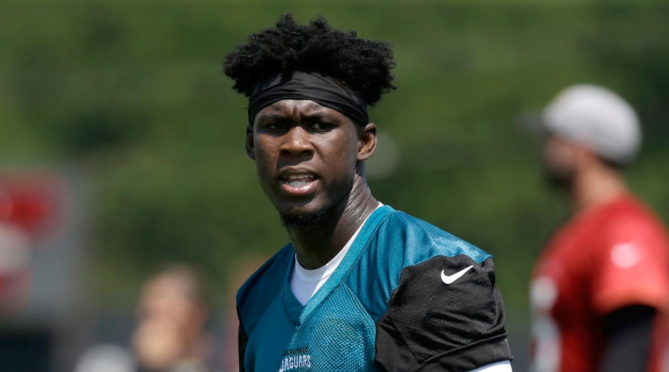 Jacksonville Jaguars wide receiver Allen Hurns prepares to run a pattern during an NFL football practice, Thursday, June 2, 2016, in Jacksonville, Fla. (AP Photo/John Raoux)