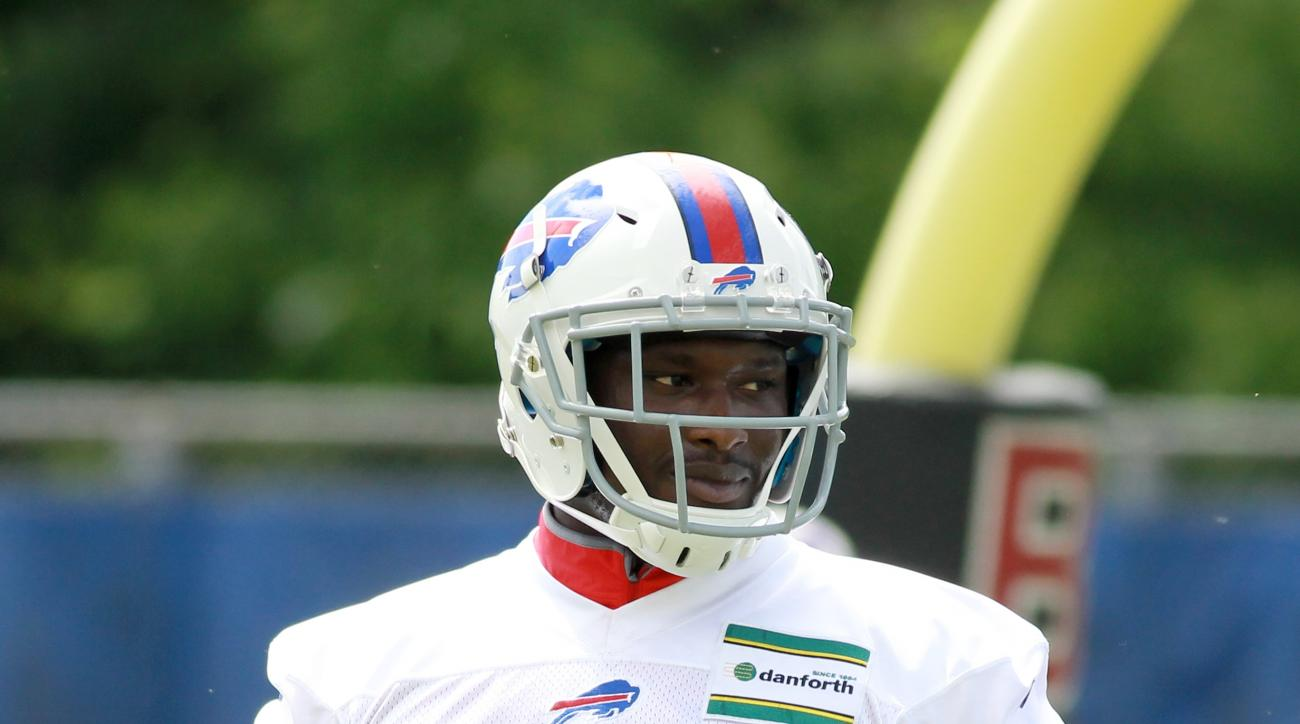 Buffalo Bills running back Karlos Williams (29) takes part in drills during the team's NFL football minicamp in Orchard Park, N.Y., Wednesday, June 15, 2016. (AP Photo/Bill Wippert)