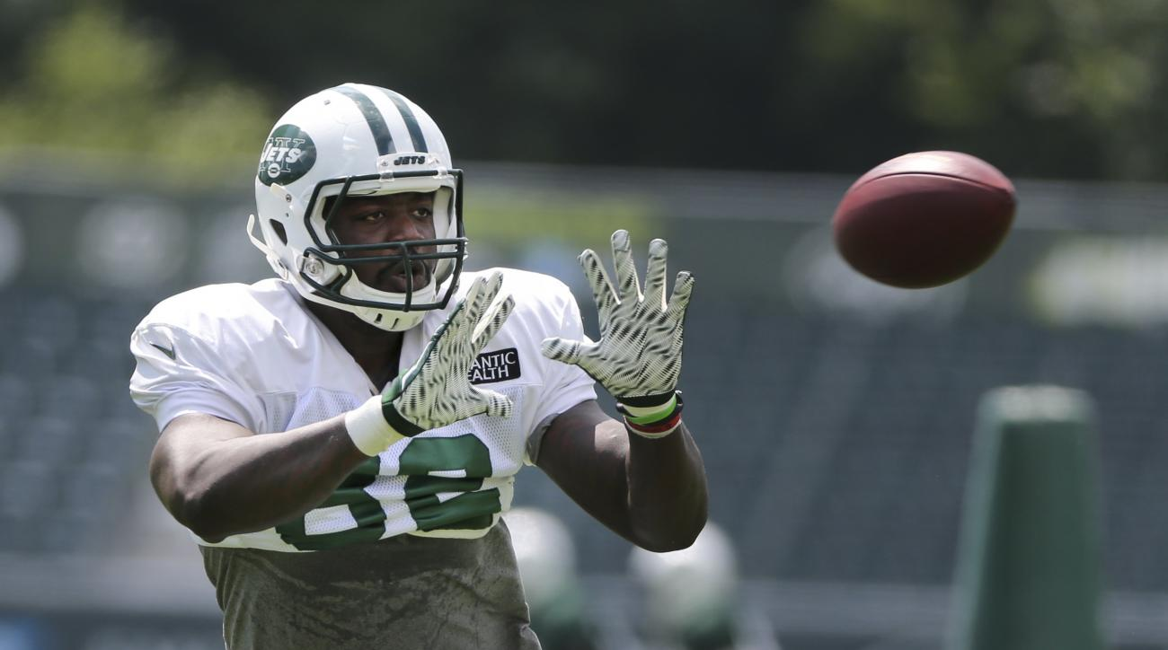 New York Jets' Brandon Bostick makes a catch during practice at the NFL football team's training camp in Florham Park, N.J., Wednesday, Aug. 3, 2016. (AP Photo/Seth Wenig)