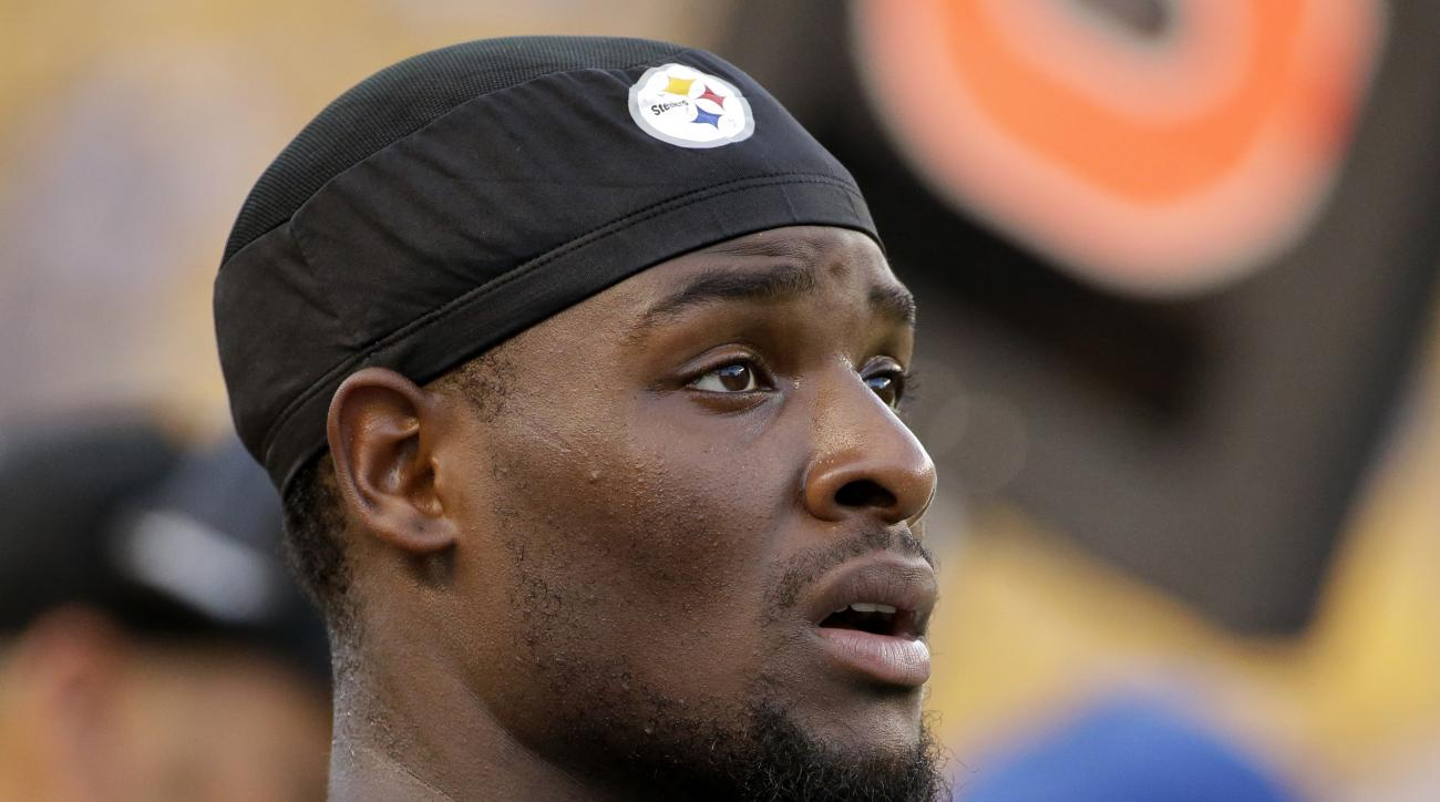 Pittsburgh Steelers running back Le'Veon Bell stands on the sideline during the first half of an NFL exhibition football game against the Detroit Lions in Pittsburgh, Friday, Aug. 12, 2016. (AP Photo/Gene J. Puskar)