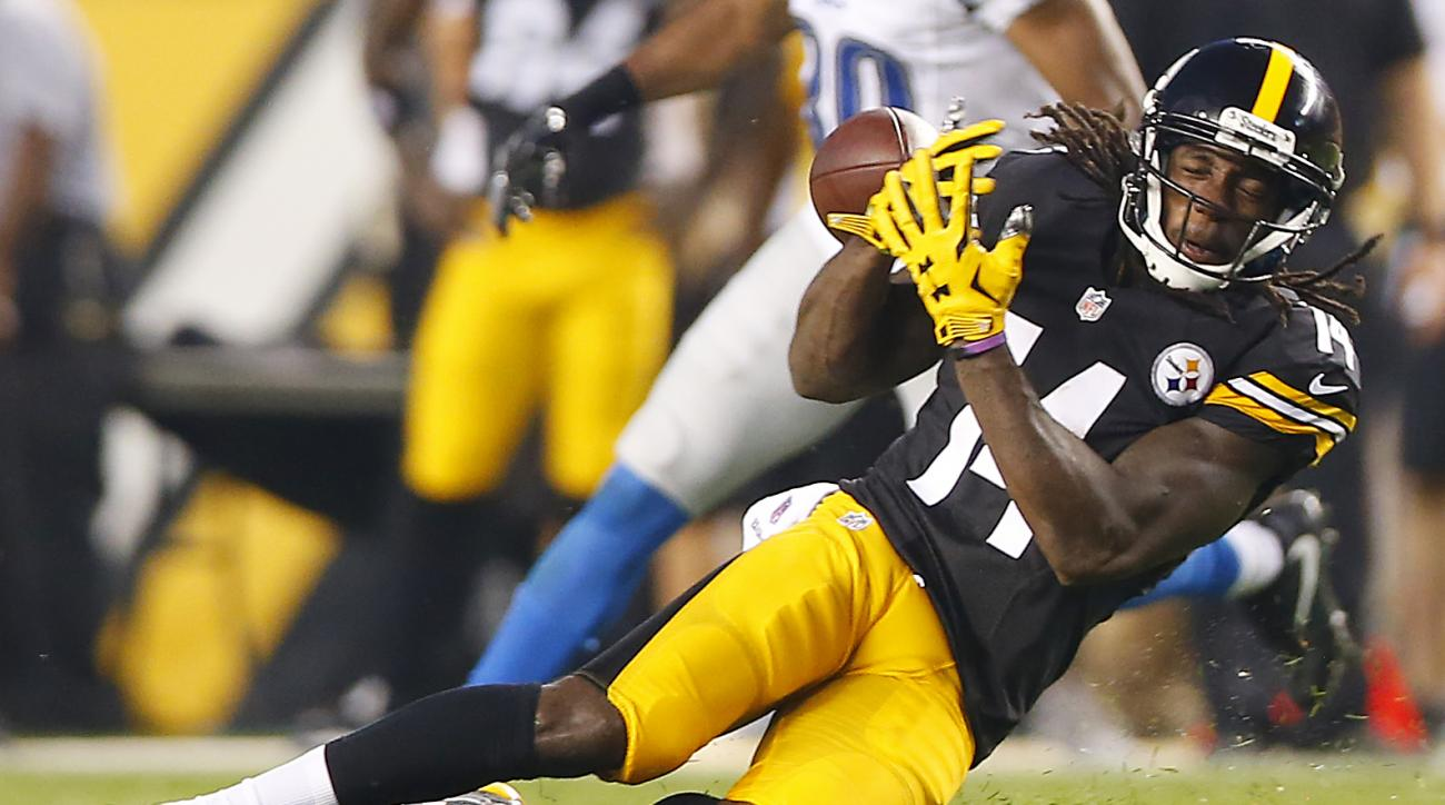Pittsburgh Steelers wide receiver Sammie Coates (14) fails to come up with a catch against the Detroit Lions during the first half of an NFL preseason football game in Pittsburgh, Pa, on Friday, Aug. 12, 2016. (AP Photo/Jared Wickerham)