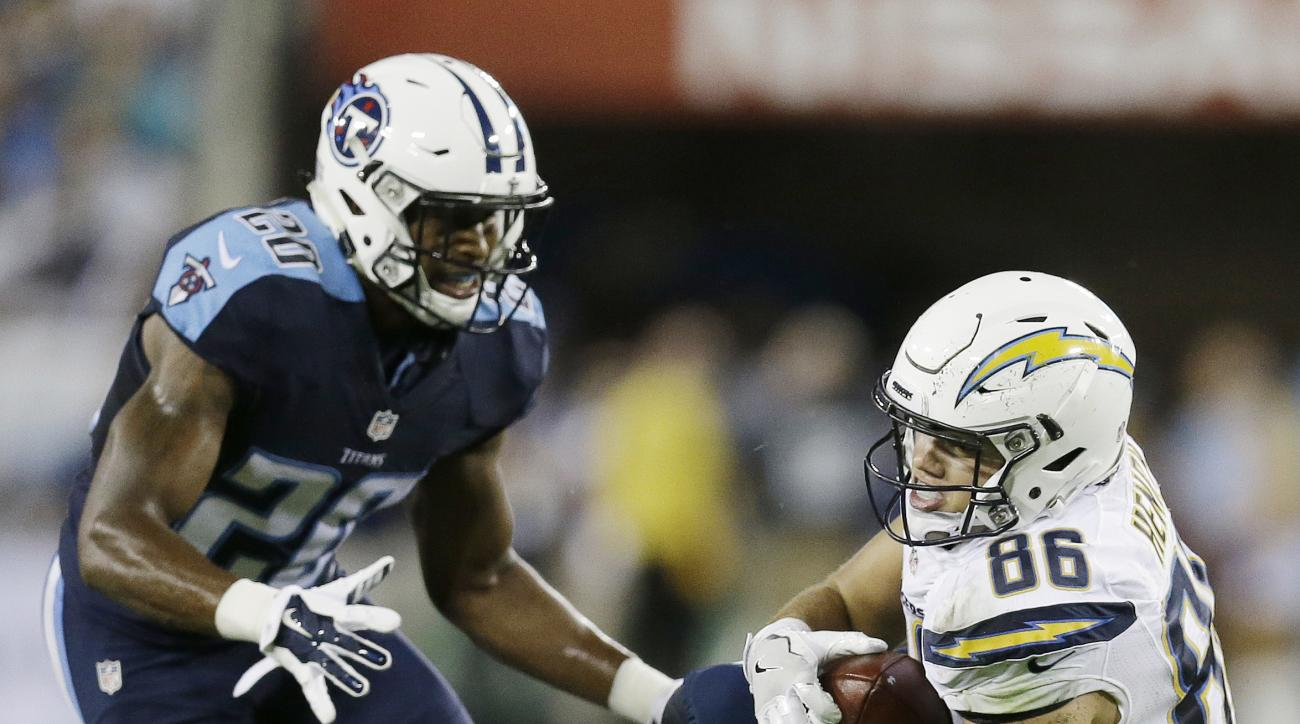 San Diego Chargers tight end Hunter Henry (86) makes the catch against Tennessee Titans safety Kevin Byard (20) during the first half of an NFL preseason football game, Saturday, Aug. 13, 2016, in Nashville, Tenn. (AP Photo/James Kenney)