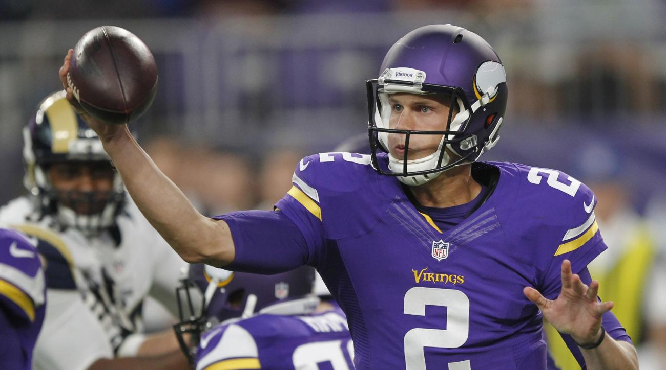 Minnesota Vikings quarterback Joel Stave throws a pass during the first half of an NFL preseason football game against the Los Angeles Rams, Thursday, Sept. 1, 2016, in Minneapolis. (AP Photo/Andy Clayton-King)