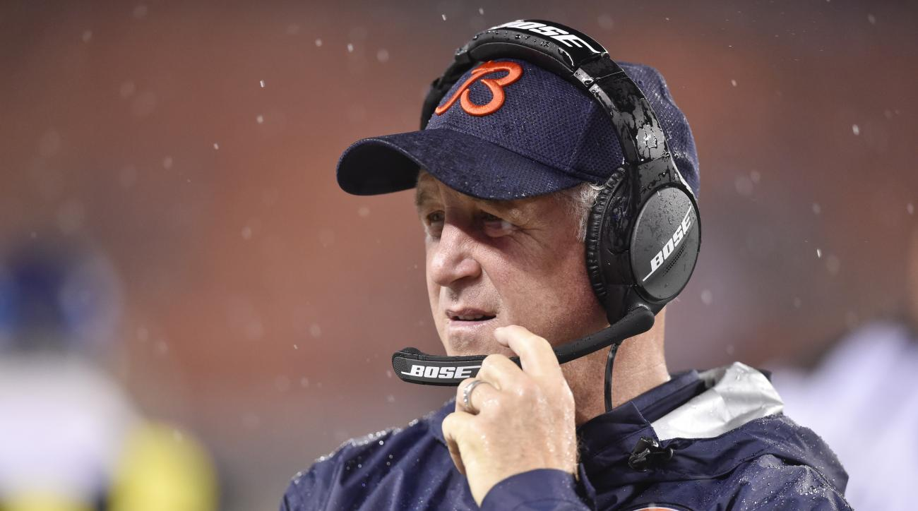 Chicago Bears coach John Fox works the sidelines in the first half of an NFL preseason football game against the Cleveland Browns, Thursday, Sept. 1, 2016, in Cleveland. (AP Photo/David Richard)