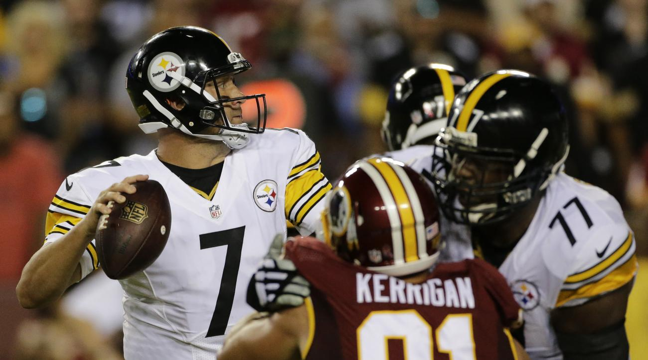 Pittsburgh Steelers quarterback Ben Roethlisberger (7) looks for an opening to pass during the first half of an NFL football game against the Washington Redskins in Landover, Md., Monday, Sept. 12, 2016. (AP Photo/Mark Tenally)