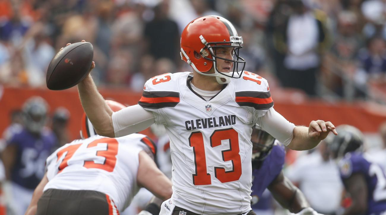 Cleveland Browns quarterback Josh McCown throws in the first half of an NFL football game against the Baltimore Ravens, Sunday, Sept. 18, 2016, in Cleveland. (AP Photo/Ron Schwane)