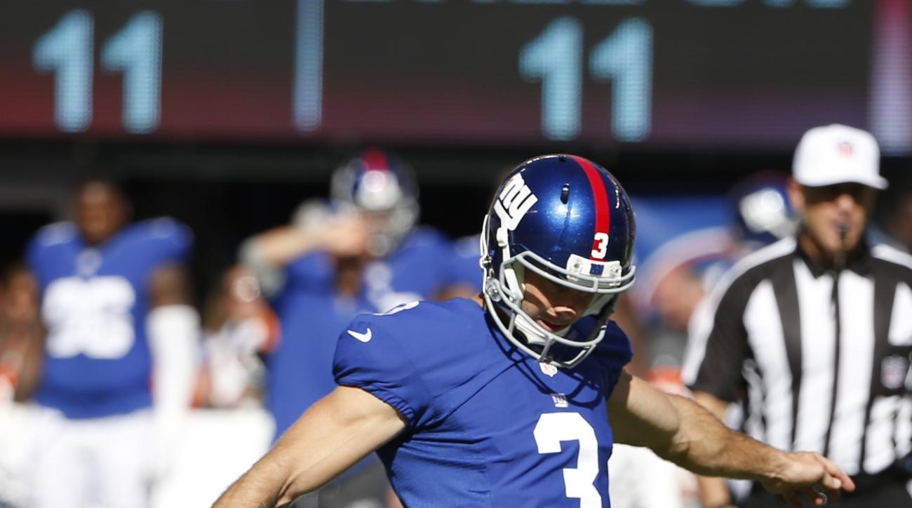 New York Giants kicker Josh Brown (3) kicks a field goal during the second half of an NFL football game against the Washington Redskins, Sunday, Sept. 25, 2016, in East Rutherford, N.J. (AP Photo/Kathy Willens)
