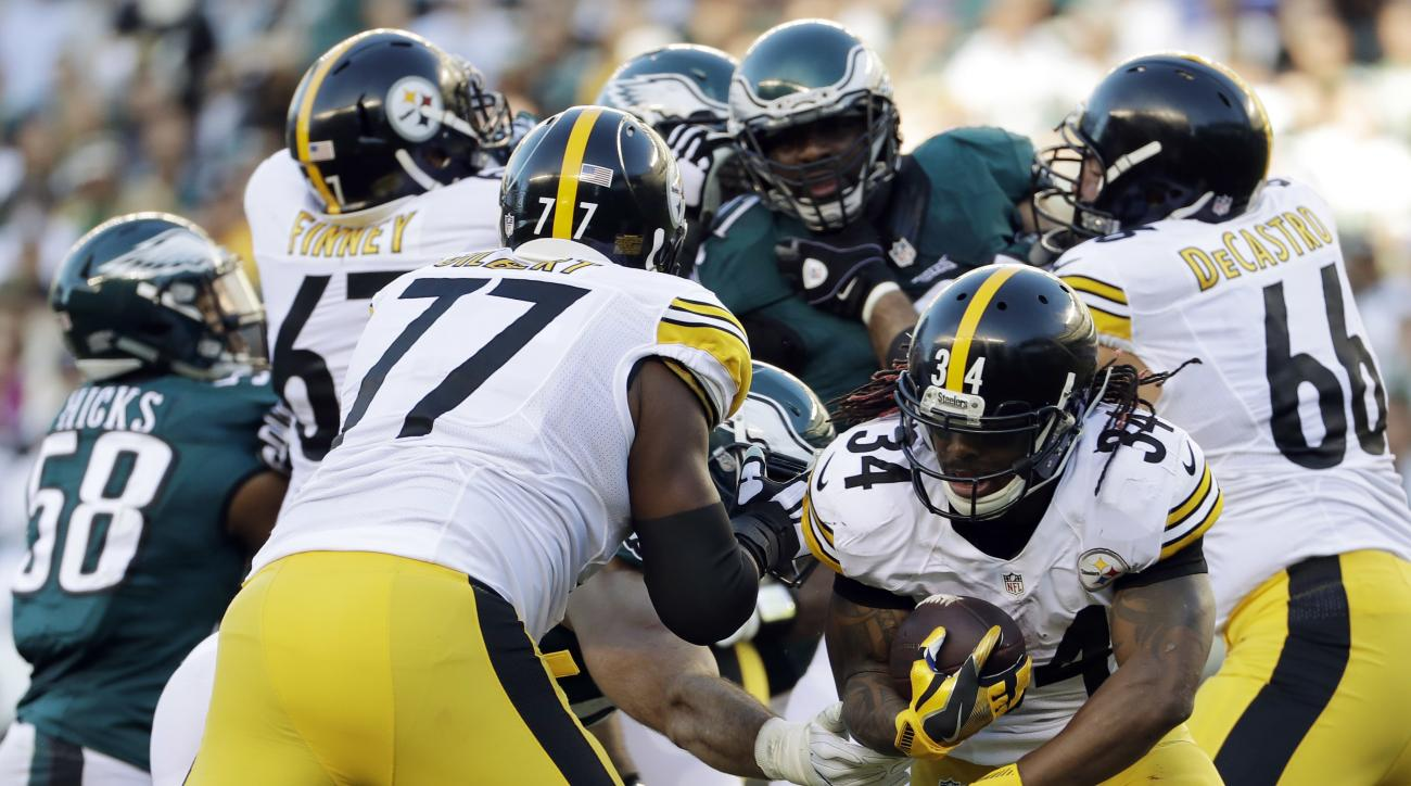 Pittsburgh Steelers' DeAngelo Williams (34) rushes during the first half of an NFL football game against the Philadelphia Eagles, Sunday, Sept. 25, 2016, in Philadelphia. (AP Photo/Michael Perez)