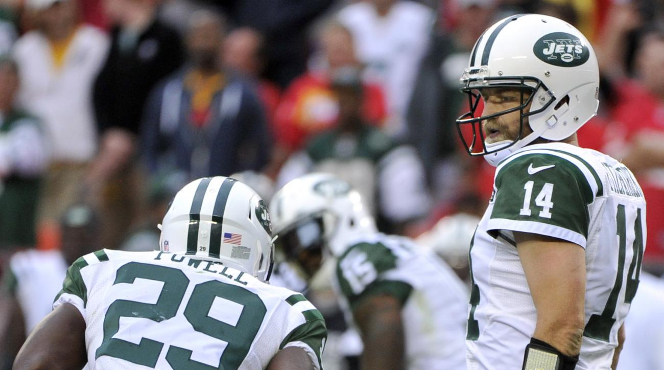 New York Jets quarterback Ryan Fitzpatrick (14) walks to the line of scrimmage during the second half of an NFL football game against the Kansas City Chiefs in Kansas City, Mo., Sunday, Sept. 25, 2016. Kansas City Chiefs won 24-3. (AP Photo/Ed Zurga)