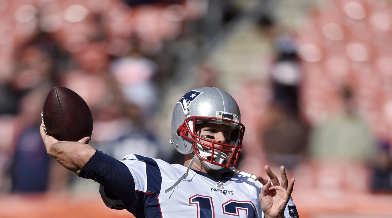 New England Patriots' Tom Brady warms up  before an NFL football game against the Cleveland Browns Sunday, Oct. 9, 2016, in Cleveland. (AP Photo/David Richard)