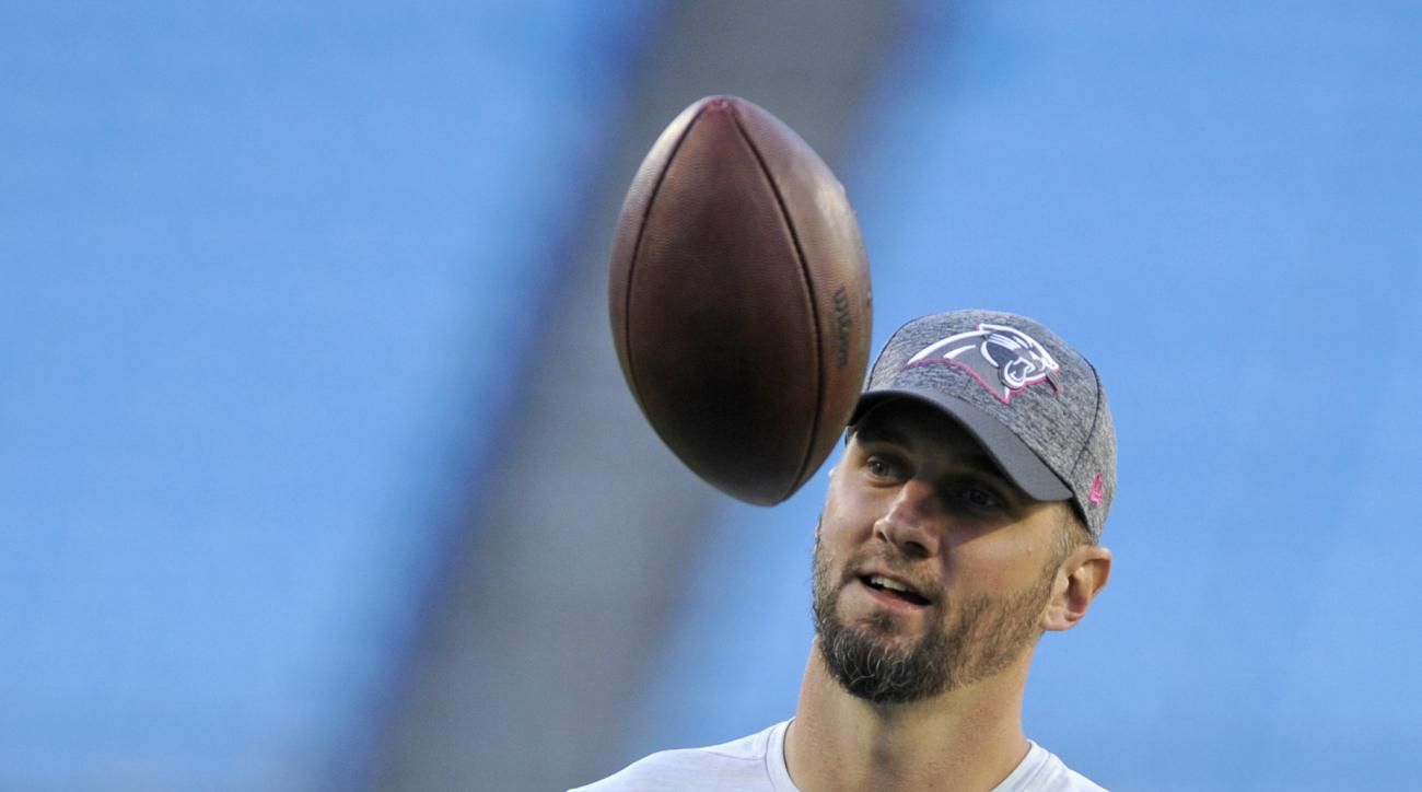 Carolina Panthers quarterback Derek Anderson warms up before an NFL football game against the Tampa Bay Buccaneers in Charlotte, N.C., Monday, Oct. 10, 2016. Anderson will start in place of injured quarterback Cam Newton. (AP Photo/Mike McCarn)