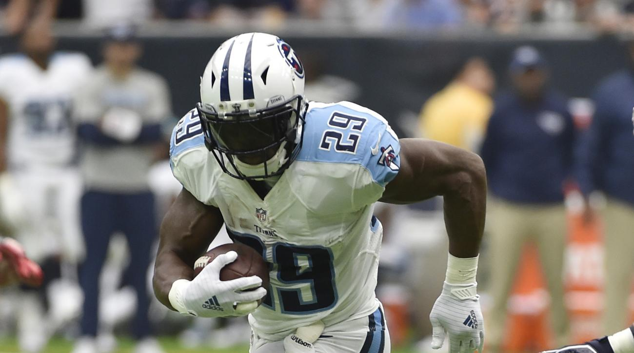 FILE - In this Oct. 2, 2016, file photo, Tennessee Titans running back DeMarco Murray (29) runs for a touchdown against the Houston Texans during the first half of an NFL football game, Houston. The Browns (0-5) and Titans  (2-3) play Sunday, Oct. 16, 201
