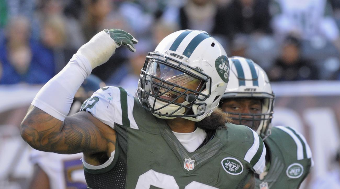 New York Jets defensive tackle Leonard Williams (92) reacts after a defensive play against the Baltimore Ravens during the fourth quarter of an NFL football game, Sunday, Oct. 23, 2016, in East Rutherford, N.J. The Jets won 24-16. (AP Photo/Bill Kostroun)