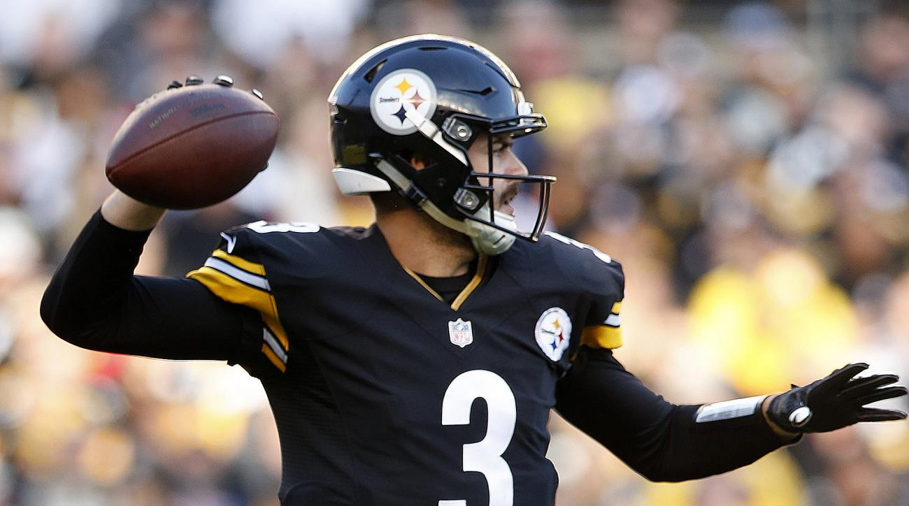 Pittsburgh Steelers quarterback Landry Jones (3) passes during the first half of an NFL football game against the New England Patriots in Pittsburgh, Sunday, Oct. 23, 2016. (AP Photo/Jared Wickerham)