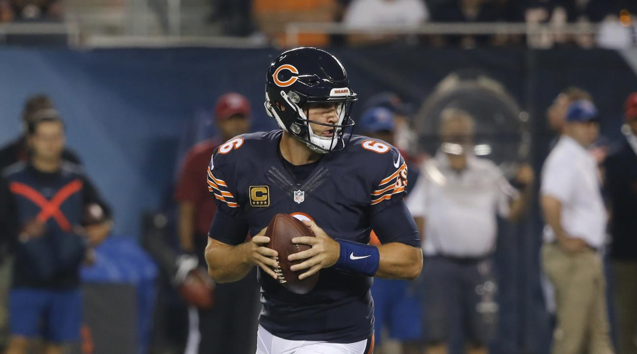 FILE - In this Sept. 19, 2016, file photo, Chicago Bears quarterback Jay Cutler (6) drops back to pass during the first half of an NFL football game against the Philadelphia Eagles, in Chicago. The Minnesota Vikings will try to get back to winning when th