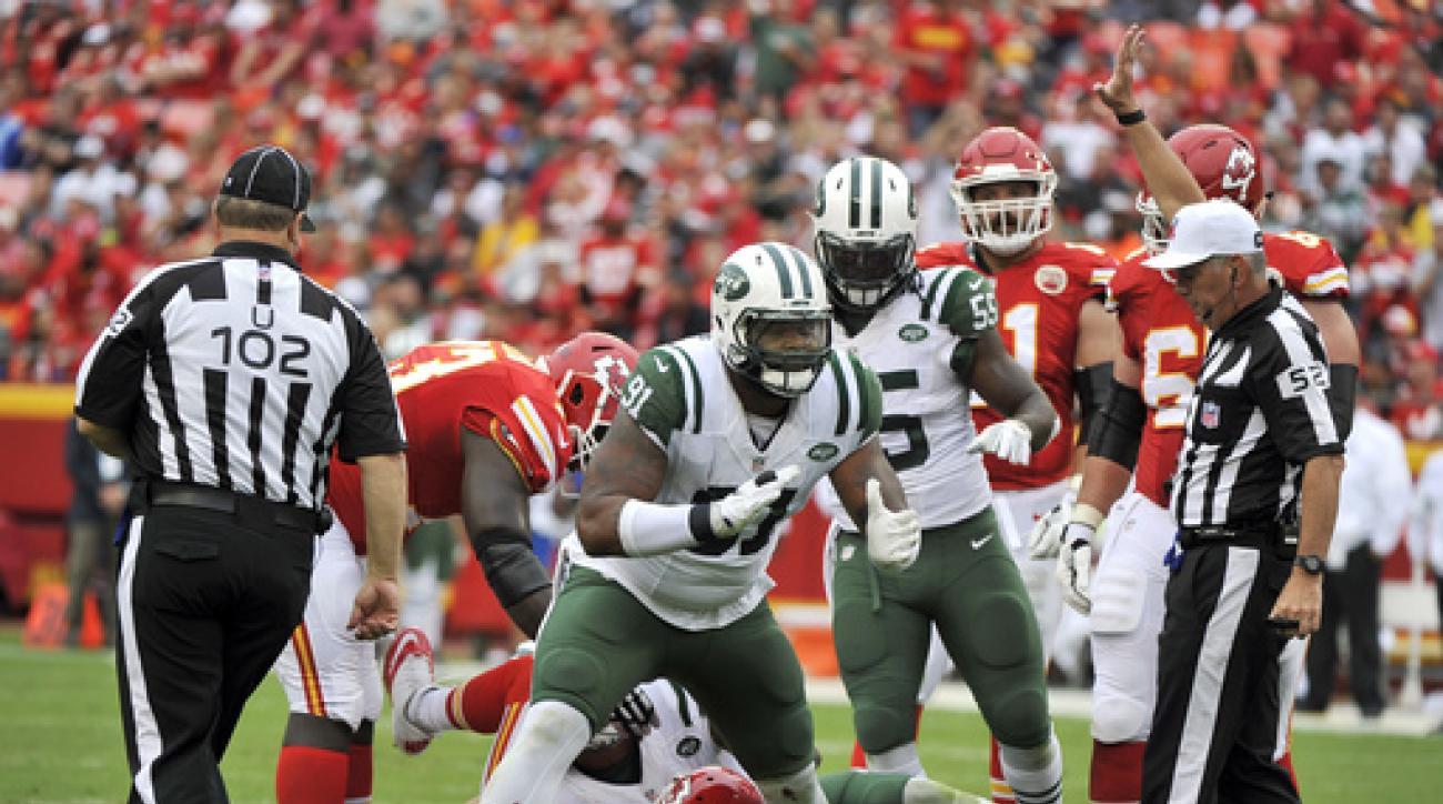 FILE - In this Sept. 25, 2016, file photo, New York Jets defensive end Sheldon Richardson (91) celebrates after sacking Kansas City Chiefs quarterback Alex Smith (11) during an NFL football game in Kansas City, Mo. Richardson has split his time this seaso