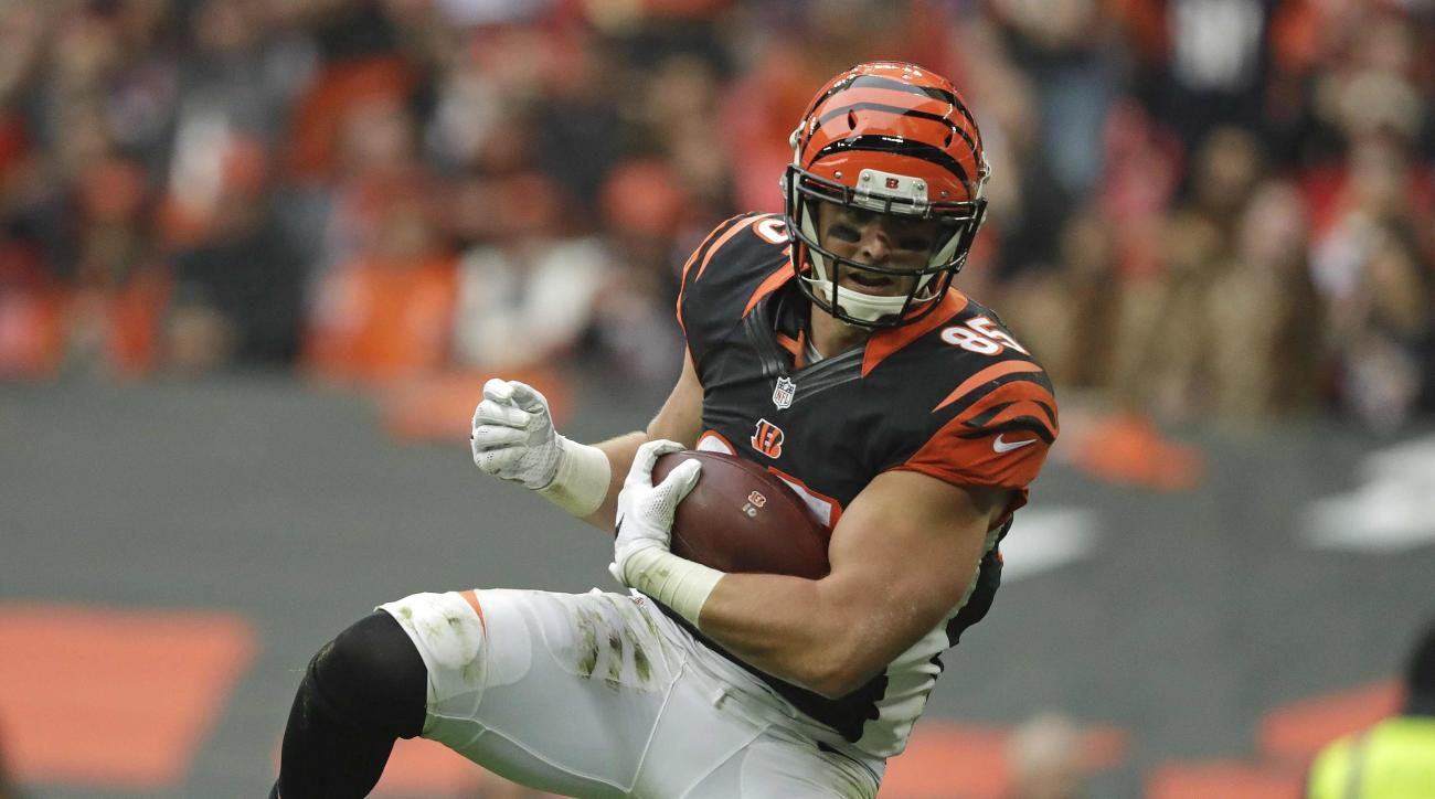 Cincinnati Bengals tight end Tyler Eifert (85) catches the ball to score a touchdown during an NFL Football game against Washington Redskins at Wembley Stadium in London, Sunday Oct. 30, 2016. (AP Photo/Matt Dunham)