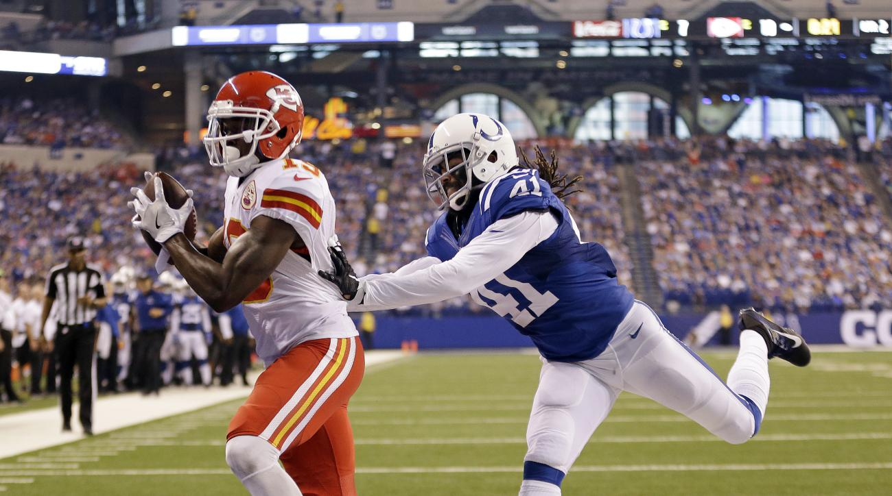 Kansas City Chiefs' Jeremy Maclin (19) makes a 13-yard touchdown reception against Indianapolis Colts' Matthias Farley (41) during the first half of an NFL football game Sunday, Oct. 30, 2016, in Indianapolis. (AP Photo/AJ Mast)