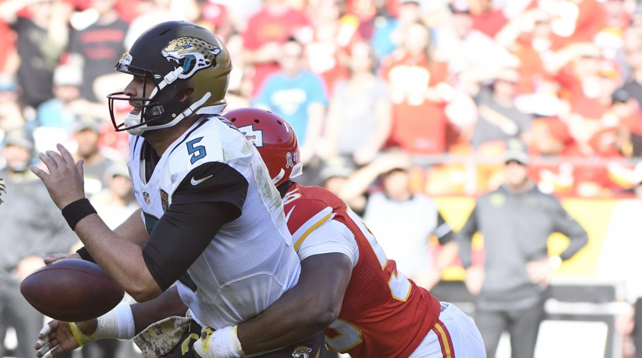 Kansas City Chiefs linebacker Dee Ford (55) sacks Jacksonville Jaguars quarterback Blake Bortles (5) during the second half of an NFL football game in Kansas City, Mo., Sunday, Nov. 6, 2016. (AP Photo/Ed Zurga)