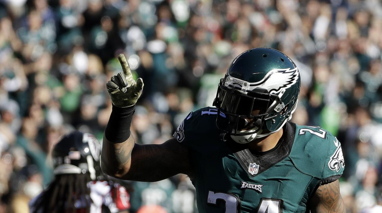 Philadelphia Eagles' Ryan Mathews celebrates a touchdown run during the first half of an NFL football game against the Atlanta Falcons, Sunday, Nov. 13, 2016, in Philadelphia. (AP Photo/Matt Slocum)
