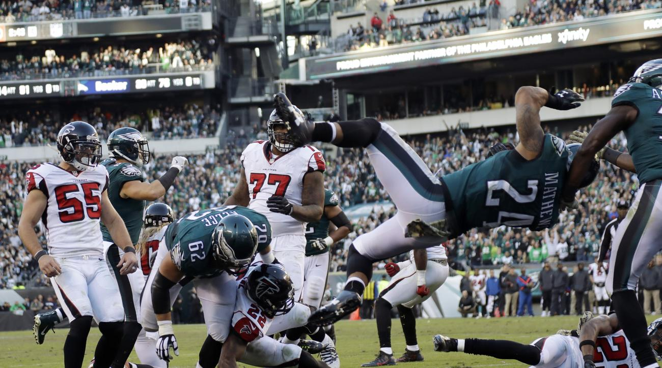 Philadelphia Eagles' Ryan Mathews (24) scores a touchdown during the second half of an NFL football game against the Atlanta Falcons, Sunday, Nov. 13, 2016, in Philadelphia. (AP Photo/Michael Perez)