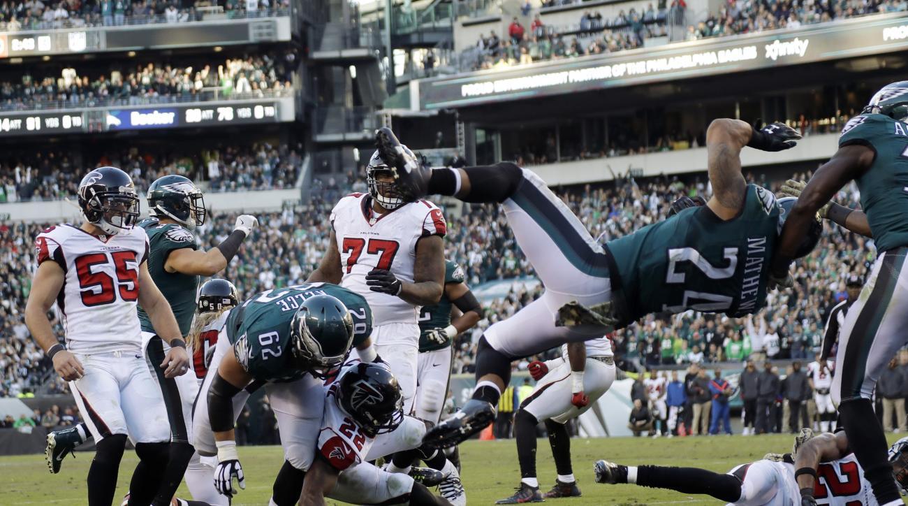 Philadelphia Eagles' Ryan Mathews (24) scores a touchdown during the second half of an NFL football game against the Atlanta Falcons, Sunday, Nov. 13, 2016, in Philadelphia. (AP Photo/Michael Perez)