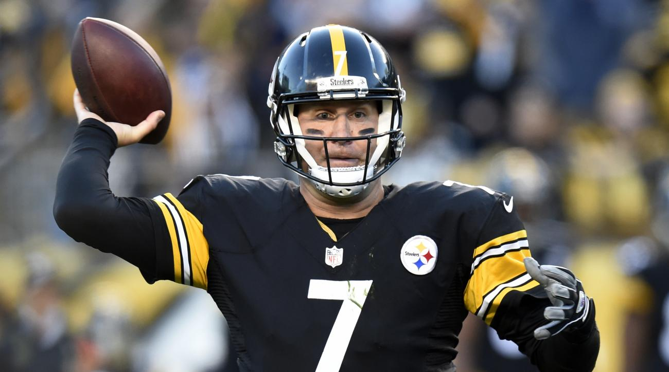 Pittsburgh Steelers quarterback Ben Roethlisberger (7) throws a pass during the first half of an NFL football game against the Dallas Cowboys in Pittsburgh, Sunday, Nov. 13, 2016. (AP Photo/Don Wright)