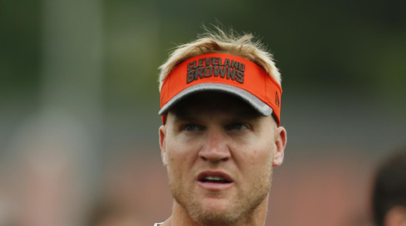 FILE - In this July 29, 2016, file photo, Cleveland Browns quarterback Josh McCown is shown during practice at the NFL football team's training camp, in Berea, Ohio. In the midst of a winless season, Cleveland Browns wide receiver Andrew Hawkins and quart