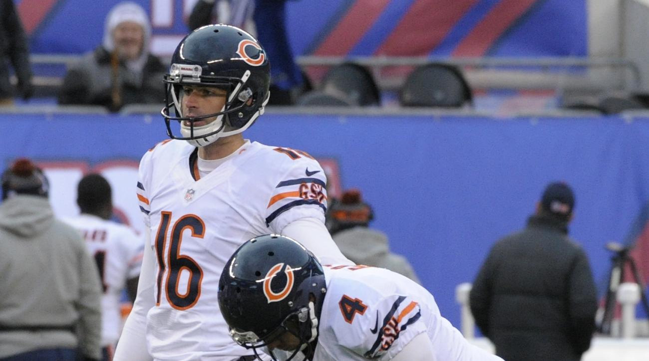 Chicago Bears kicker Connor Barth (4) and punter Pat O'Donnell (16) react after Barth missed a 51-yard field goal against the New York Giants during the fourth quarter of an NFL football game, Sunday, Nov. 20, 2016, in East Rutherford, N.J. (AP Photo/Bill