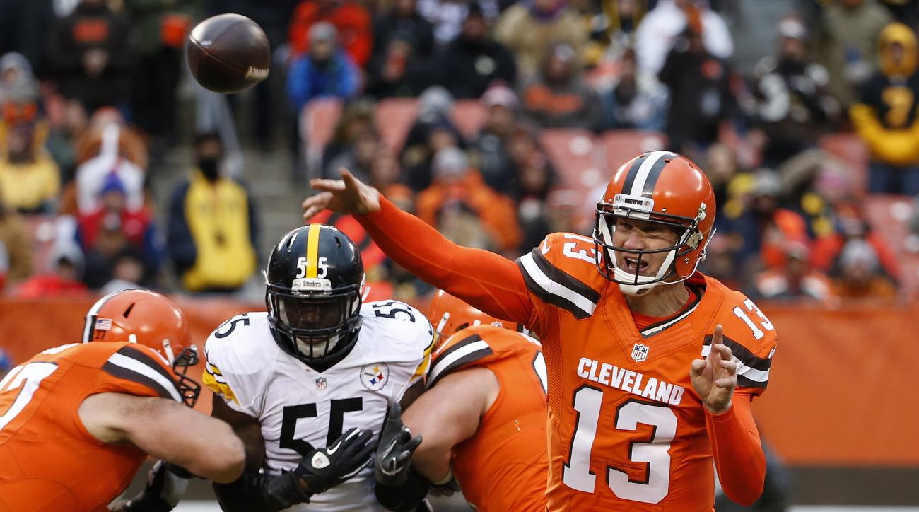 Cleveland Browns quarterback Josh McCown (13) throws a pass during the second half of an NFL football game against the Pittsburgh Steelers in Cleveland, Sunday, Nov. 20, 2016. (AP Photo/Ron Schwane)