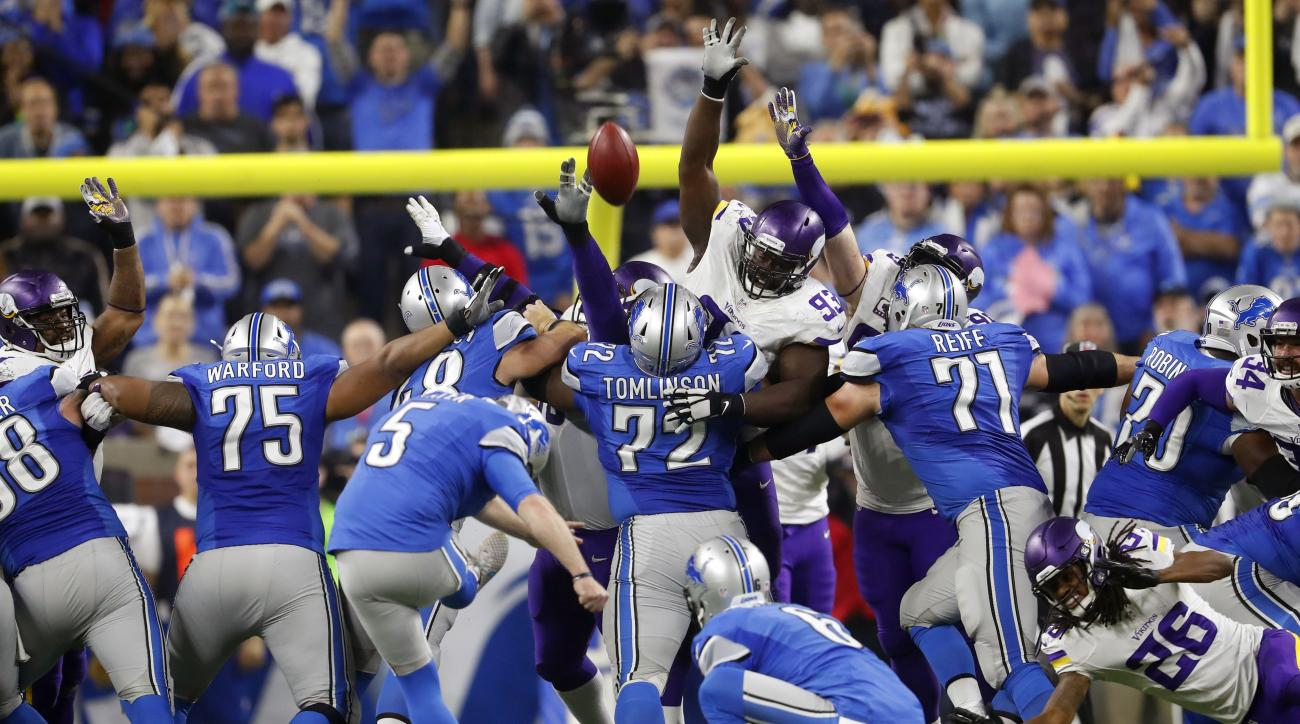 Detroit Lions kicker Matt Prater (5) makes a 40-yard winning field goal during the second half of an NFL football game against the Minnesota Vikings, Thursday, Nov. 24, 2016, in Detroit. (AP Photo/Paul Sancya)