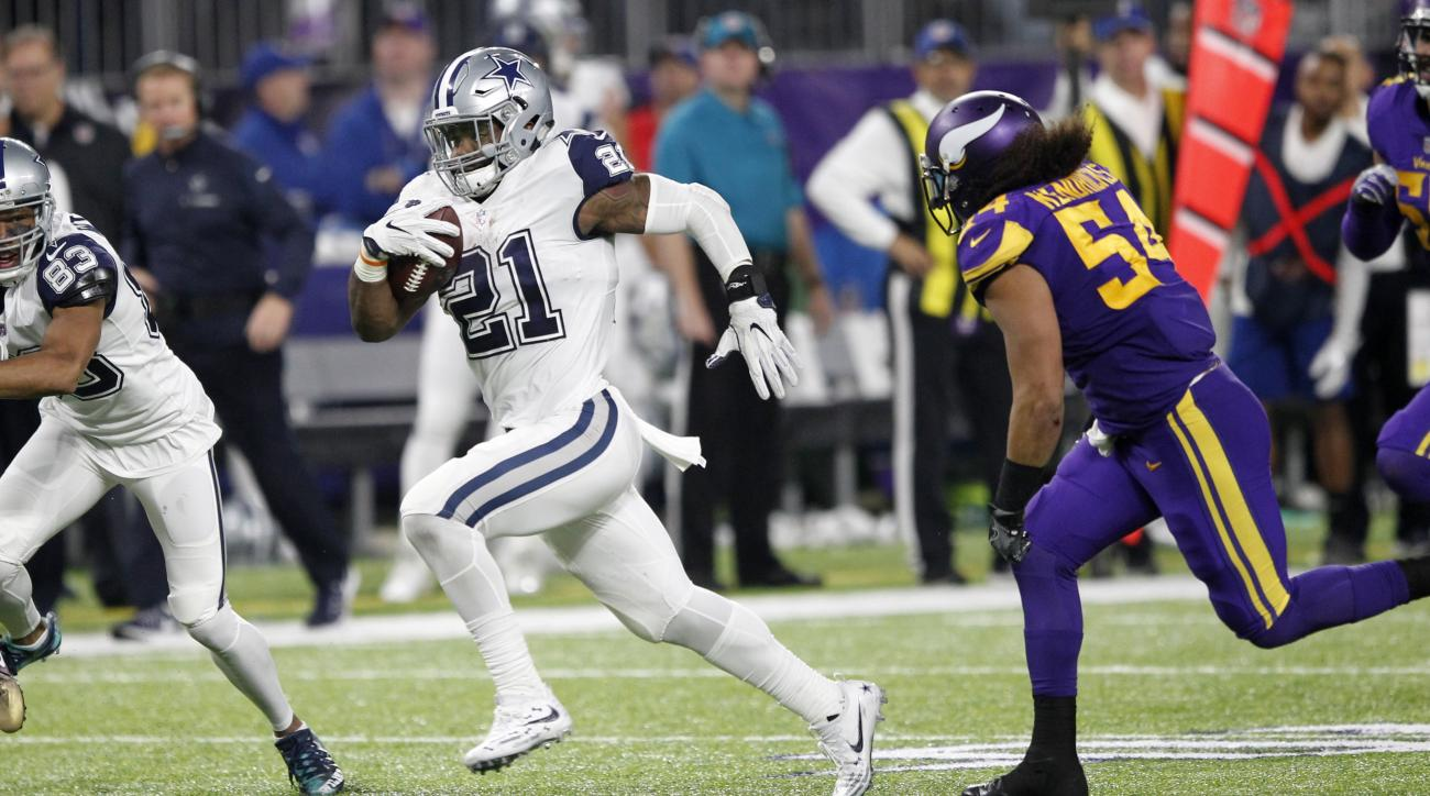 Dallas Cowboys running back Ezekiel Elliott (21) runs from Minnesota Vikings middle linebacker Eric Kendricks, right, during the second half of an NFL football game Thursday, Dec. 1, 2016, in Minneapolis. (AP Photo/Andy Clayton-King)