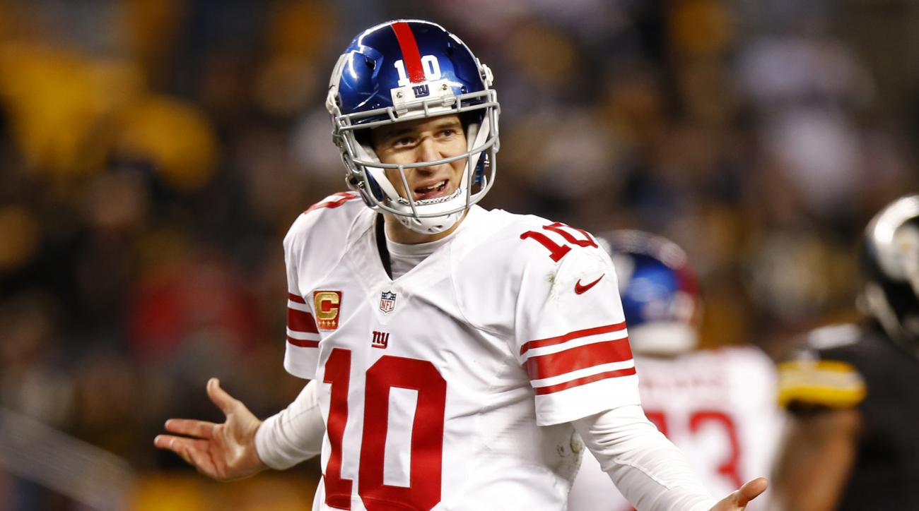 New York Giants quarterback Eli Manning (10) questions a non-call by the referee during the second half of an NFL football game against the Pittsburgh Steelers in Pittsburgh, Sunday, Dec. 4, 2016. The Steelers won 24-14. (AP Photo/Jared Wickerham)