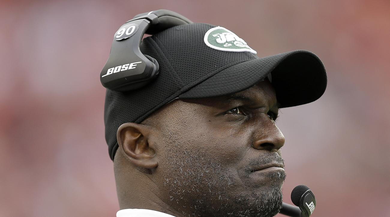 New York Jets head coach Todd Bowles watches the first half of an NFL football game against the San Francisco 49ers in Santa Clara, Calif., Sunday, Dec. 11, 2016. (AP Photo/Ben Margot)