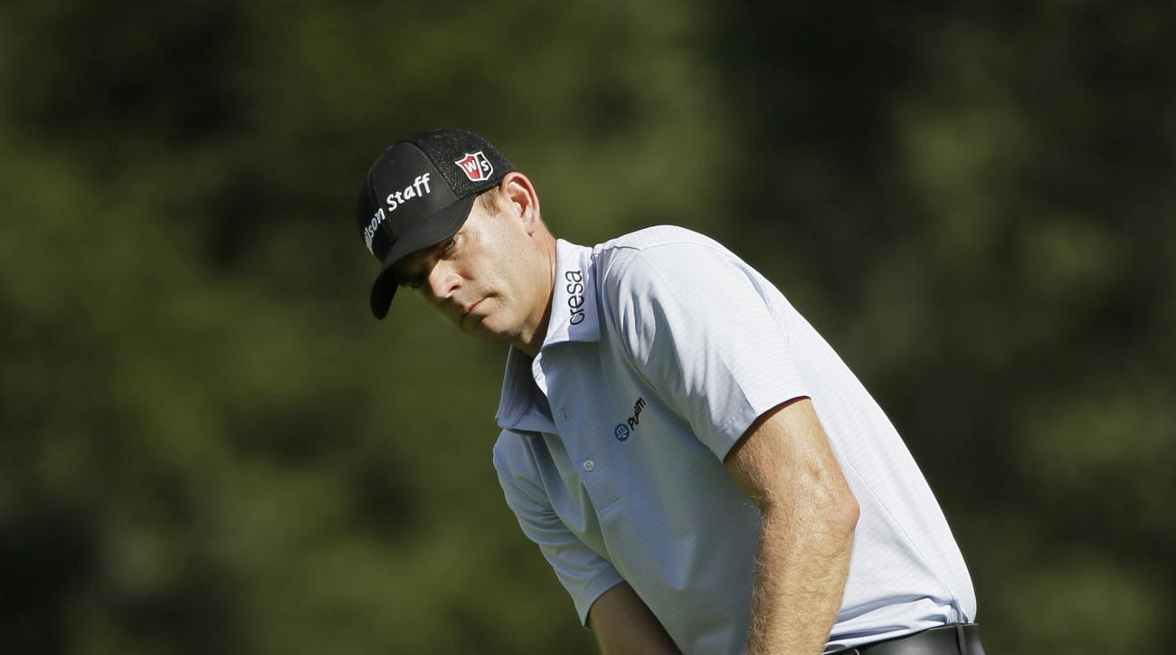 Brendan Steele chips the ball onto the ninth green of the Silverado Resort North Course during the first round of the Frys.com PGA Tour golf tournament Thursday, Oct. 15, 2015, in Napa, Calif. Steele shot a 9-under-par 63. (AP Photo/Eric Risberg)