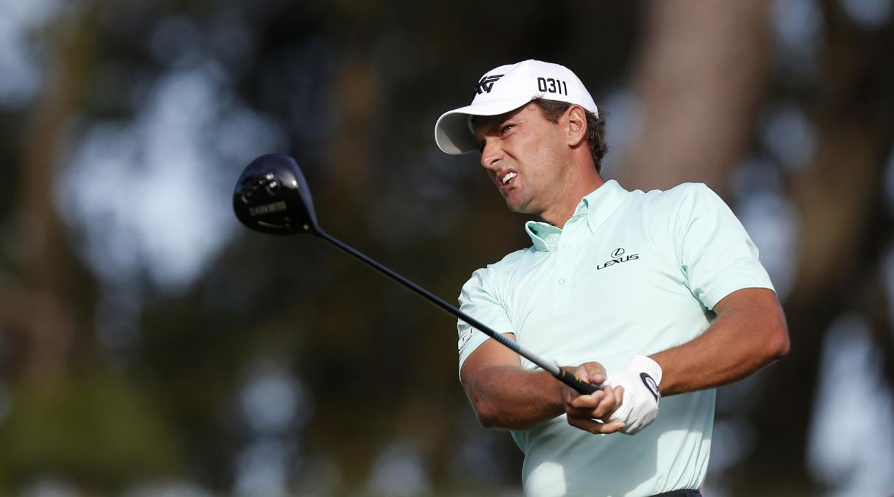 Charles Howell III hits his tee shot on the 10th hole during the second round of the Valspar Championship golf tournament Friday, March 11, 2016, in Palm Harbor, Fla. (AP Photo/Brian Blanco)