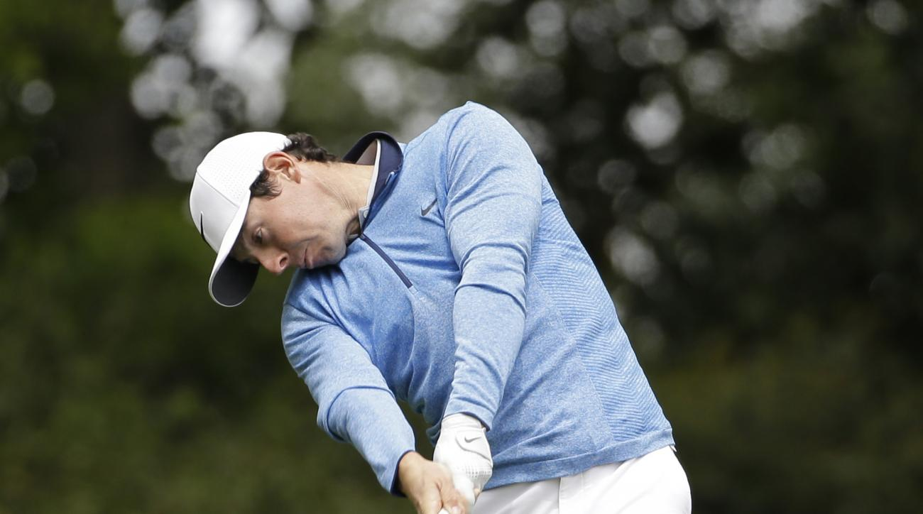 Rory McIlroy, of Northern Ireland, tees off on the second hole during the final round of the Masters golf tournament Sunday, April 10, 2016, in Augusta, Ga. (AP Photo/David J. Phillip)