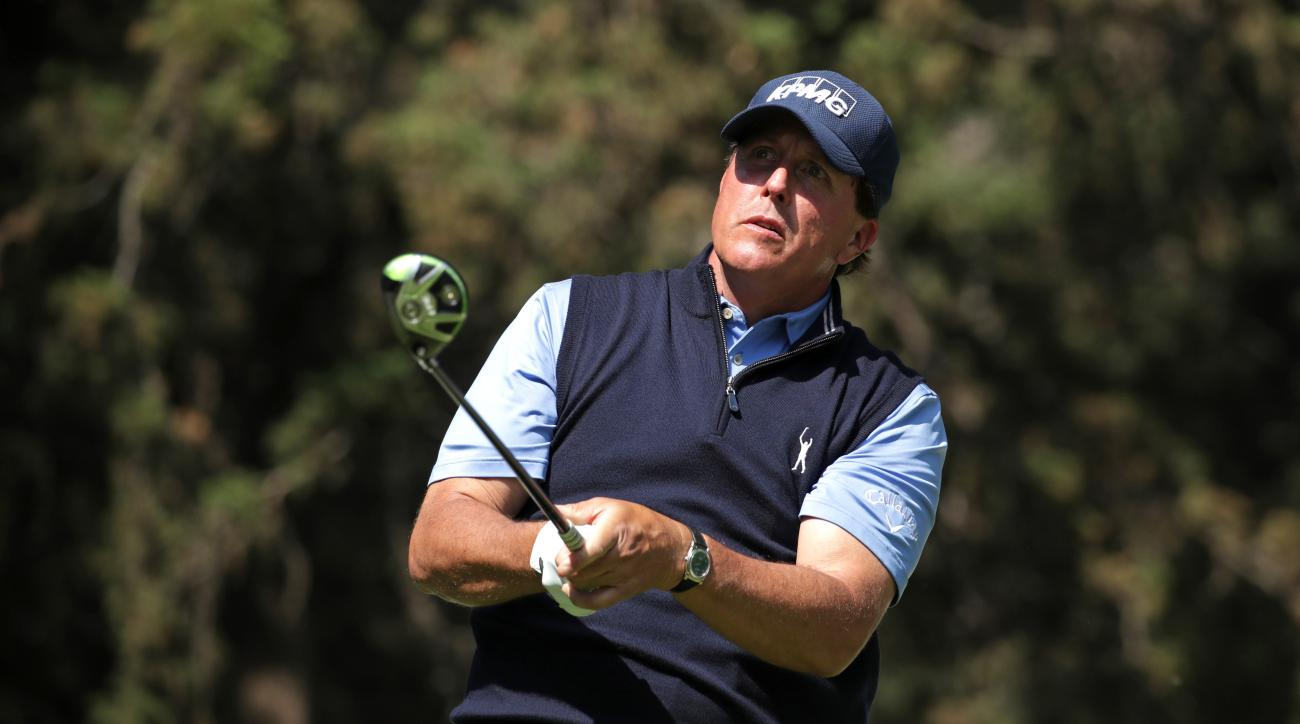 MEXICO CITY, MEXICO - MARCH 02:  Phil Mickelson of the United States plays his tee shot on the eighth hole during the first round of the World Golf Championships Mexico Championship at Club De Golf Chapultepec on March 2, 2017 in Mexico City, Mexico.  (Ph