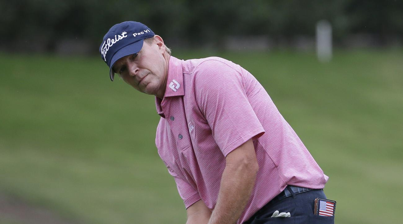 Steve Stricker putts on the 16th hole during the final round of the Dean & DeLuca Invitational golf tournament at Colonial Country Club in Fort Worth, Texas, Sunday, May 28, 2017. (AP Photo/LM Otero)
