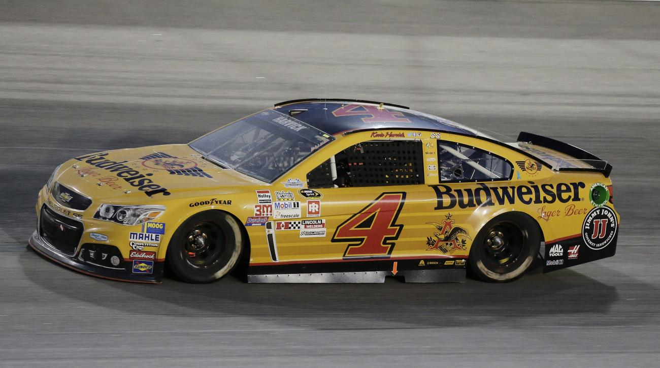 Kevin Harvick drives on track during a NASCAR Sprint Cup auto race at Darlington Raceway in Darlington, S.C., Sunday, Sept. 6, 2015. (AP Photo/Terry Renna)