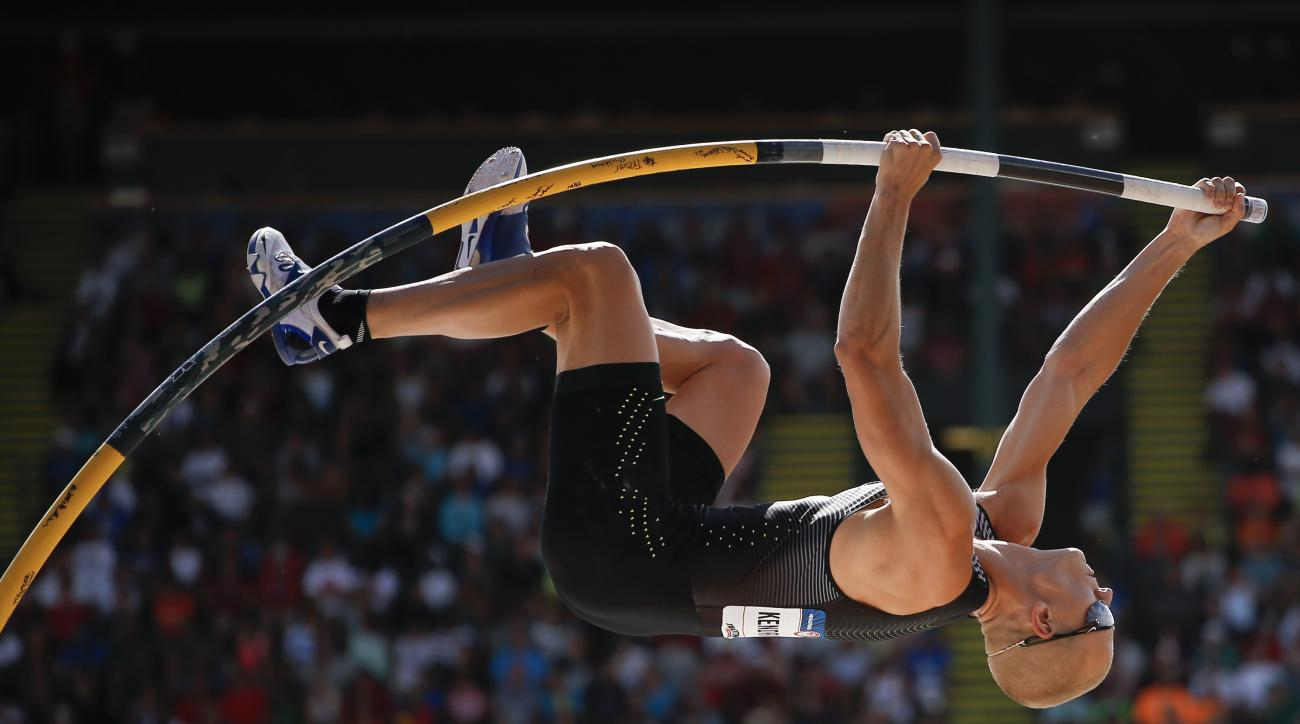 Sam Kendricks competes during the mens pole vault event at the U.S. Olympic Track and Field Trials, Monday, July 4, 2016, in Eugene Ore. (AP Photo/Matt Slocum)