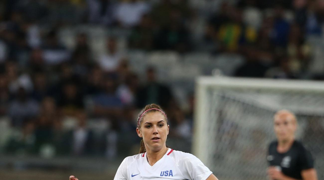 United States' Alex Morgan moves the ball during a women's Olympic football tournament match against New Zealand at the Mineirao stadium in Belo Horizonte, Brazil, Wednesday, Aug. 3, 2016. United States won 2-0. (AP Photo/Eugenio Savio)