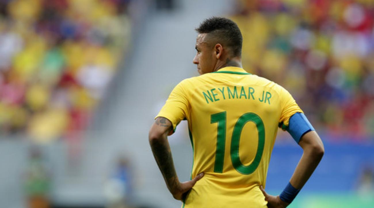 Brazil's Neymar stands on the field during a group A match of the men's Olympic football tournament between Brazil and South Africa at the National stadium, in Brasilia, Brazil, Thursday, Aug. 4, 2016. The game ended in a 0-0 draw. (AP Photo/Eraldo Peres)
