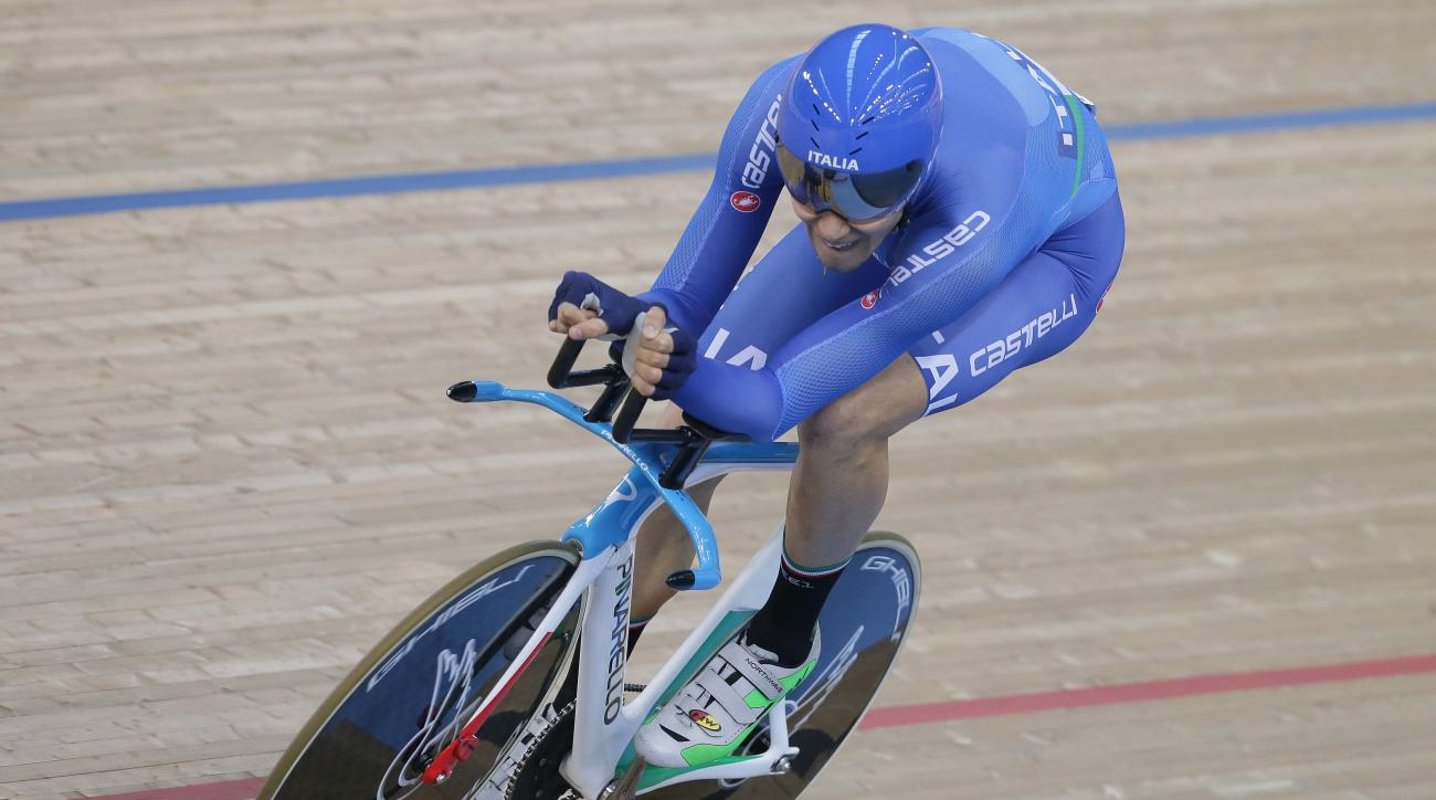 Italy's Filippo Ganna rides in the individual pursuit qualifying at the World Track Cycling championships at the Lee Valley Velopark in London, Friday March 4, 2016. (AP Photo/Tim Ireland)