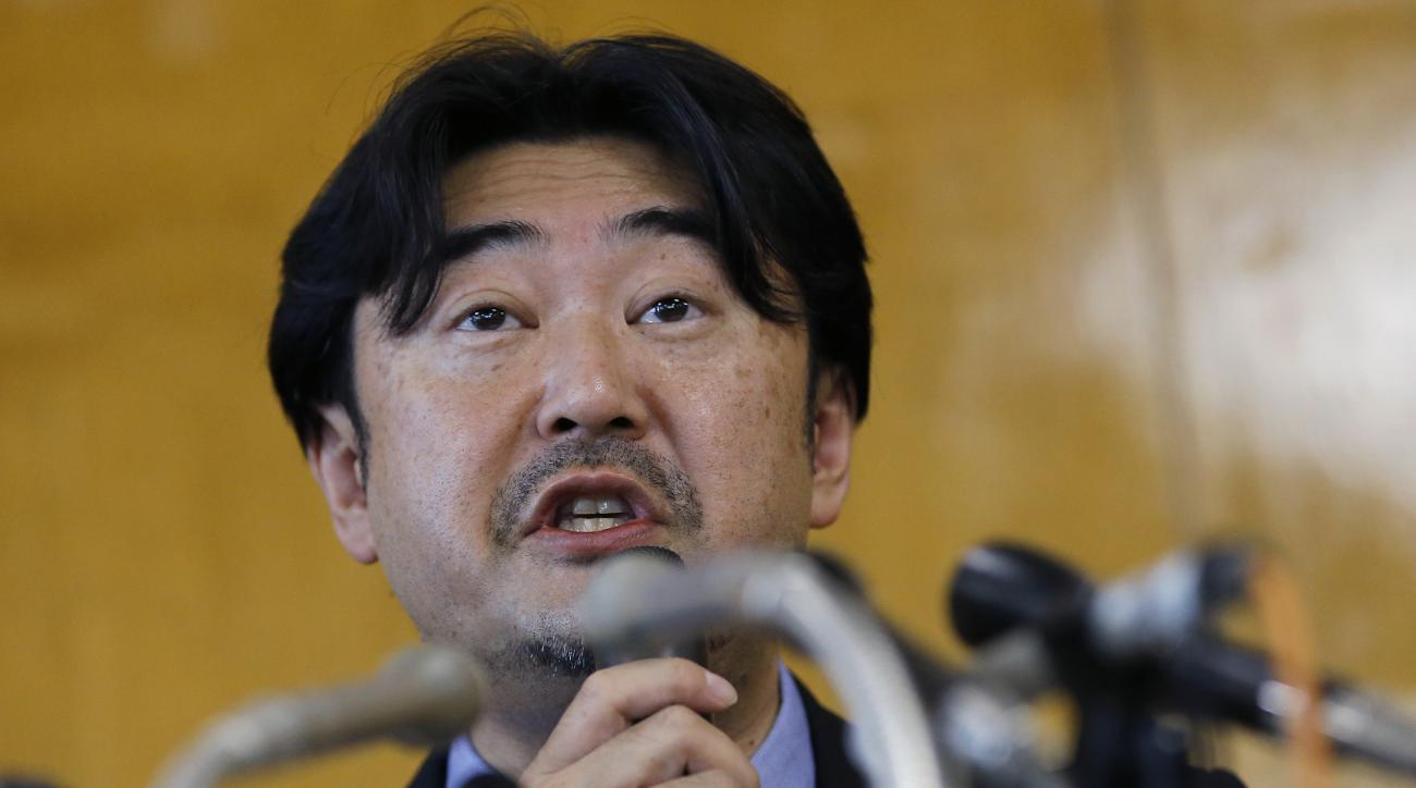 Lawyer Yoshihisa Hayakawa speaks during a press conference to announce the results of investigation into Tokyo 2020 bribery allegation, in Tokyo Thursday, Sept. 1, 2016. An independent panel commissioned by the Japanese Olympic Committee found nothing ill
