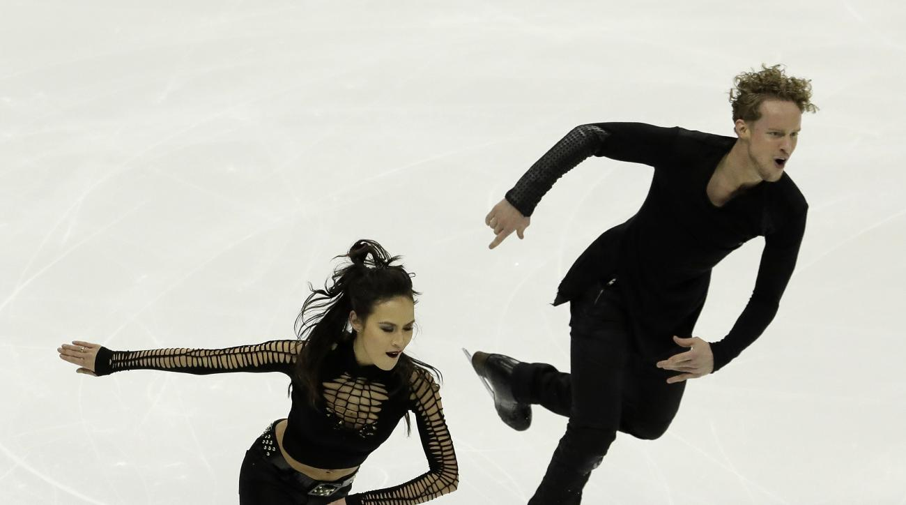 Madison Chock and Evan Bates perform during the short dance competition at the U.S. Figure Skating Championships on Friday, Jan. 20, 2017, in Kansas City, Mo. (AP Photo/Charlie Riedel)