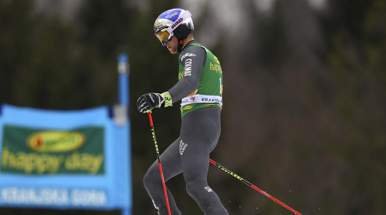 France's Alexis Pinturault fails to complete an alpine ski, men's World Cup giant slalom, in Kranjska Gora, Slovenia, Saturday, March 4, 2017. (AP Photo/Alessandro Trovati)