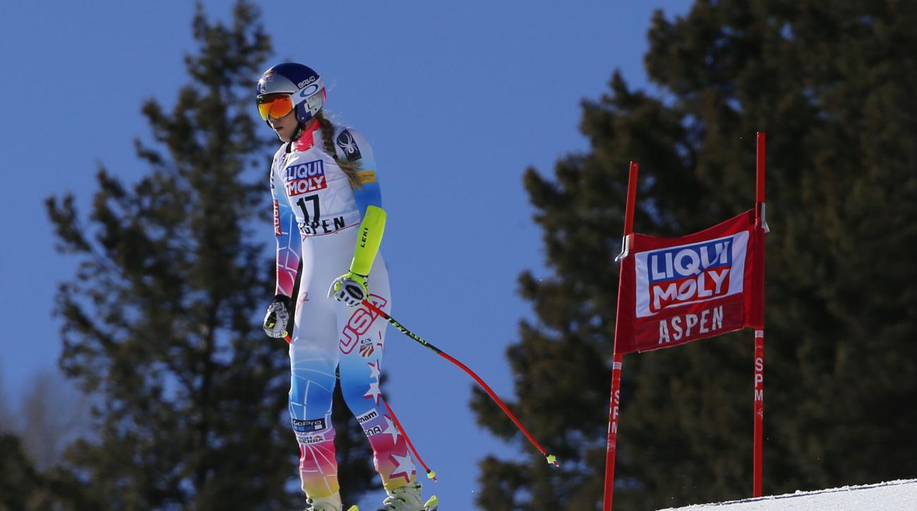 United States' Lindsey Vonn skis during a run at the women's World Cup super-G ski race Thursday, March 16, 2017, in Aspen, Colo. Vonn did not finish the run. (AP Photo/Nathan Bilow)